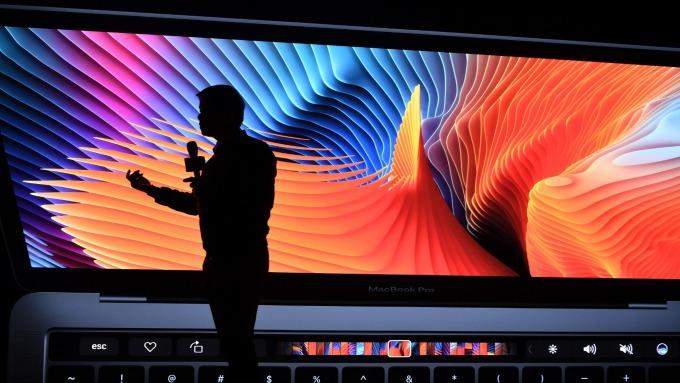16吋MacBook Pro 傳於9月問世。(圖片:AFP)