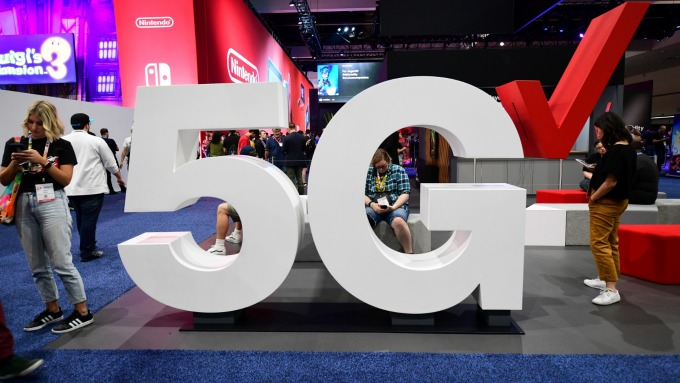 5G概念夯,網通轉移生產線效益顯現,智邦股價大漲。(圖:AFP)