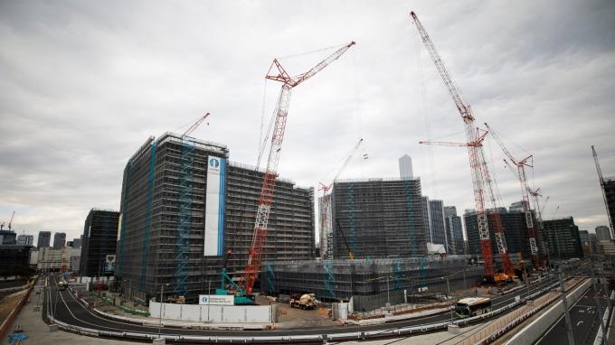 日本5月國內建設萎縮、年減逾2成。(圖片:AFP)