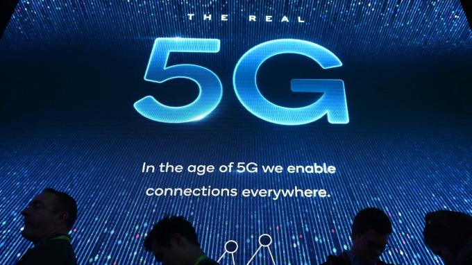 Canalys:2023年5G手機出貨量將達8億支 正式超越4G手機(圖片:AFP)