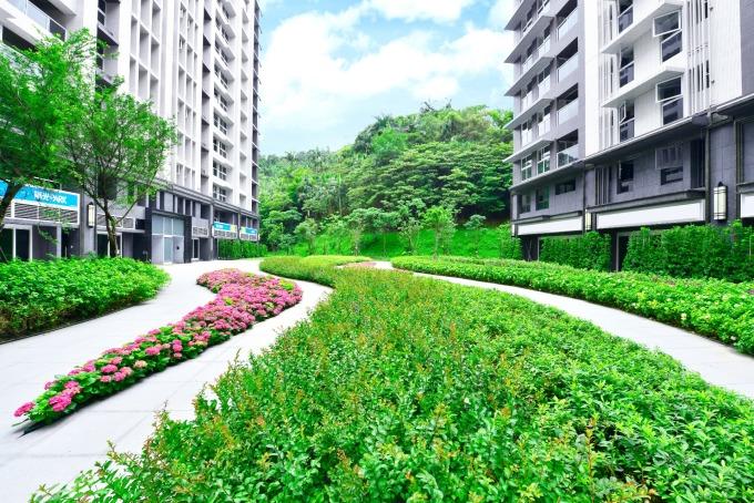 擁有千坪花園公設,「陽光 PARK」環境舒適。(圖 / 業者提供)