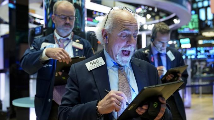 費半跌!貿易擔憂愁雲未散 標普再刷歷史新高 (圖片:AFP)