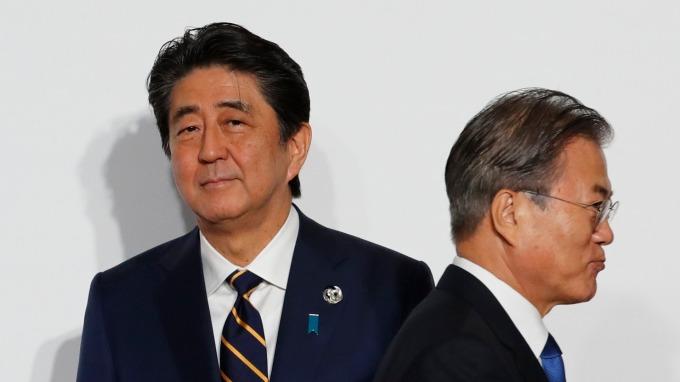 正式啟動!日本將從嚴辦理對韓出口 氟化聚醯亞胺、光阻劑、高純度氟化氫均上榜。(圖片:AFP)