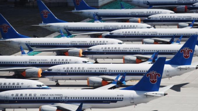 波音將籌措1億美元、向兩起737 MAX 8空難罹難者家屬提供援助。(圖片:AFP)