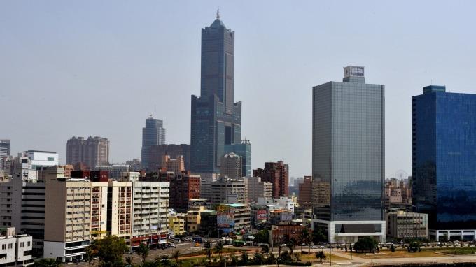 高雄地標 85 大樓內的君鴻酒店,驚傳最快今 (5) 日歇業。(圖:AFP)