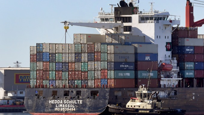 貿易戰後果難料 如何避險 分析師說良策 (圖片:AFP)