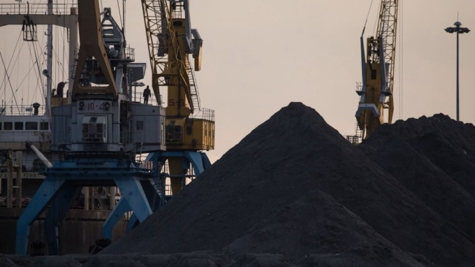 鐵礦砂漲太兇!陸鋼鐵廠與官方聯手調查(圖片:AFP)