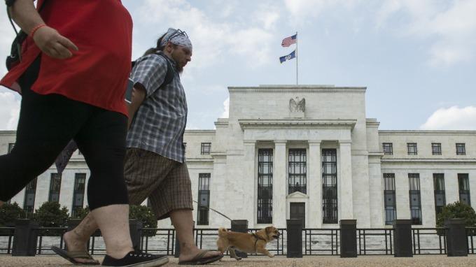 Fed把握最後關頭丟棄MBS 金額首度破上限(圖片:AFP)