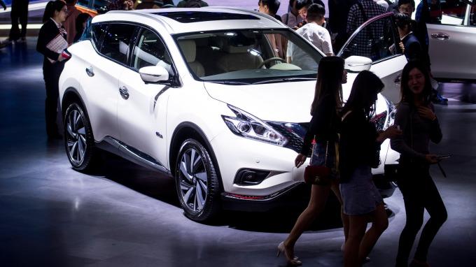 6月中國汽車銷量年增4.9%,為近1年來,首次出現正成長。(圖片:AFP)