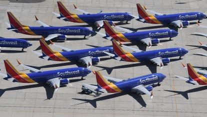 由於停飛許多架波音737 Max被閒置在機場(圖片:AFP)