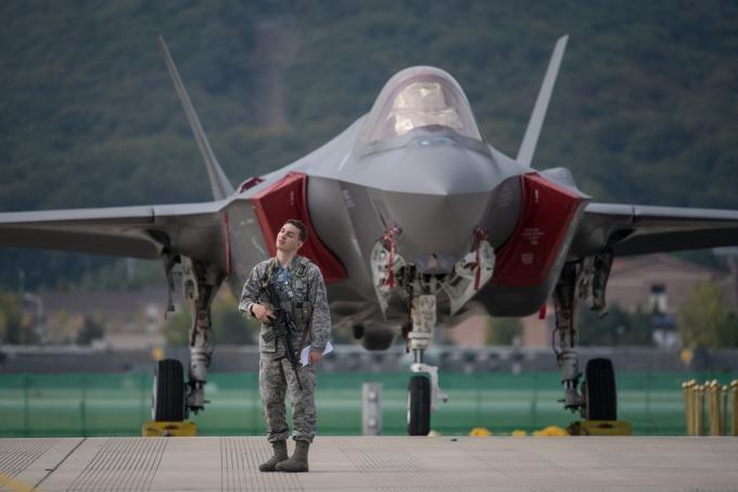 洛克希德馬丁綁標? 傳波音及空巴 欲退出加拿大戰機標案。(圖片:AFP)