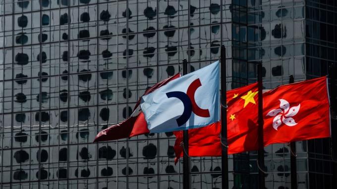 留意市場對早上公佈的中國數據反應。(圖:AFP)