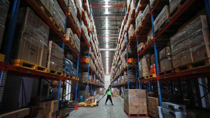 蘇寧易購:上半年獲利衰退逾六成