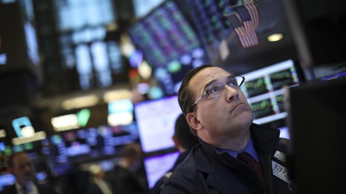 股市在高位,通膨還在低位,這種情況還真是少見。(圖:AFP)