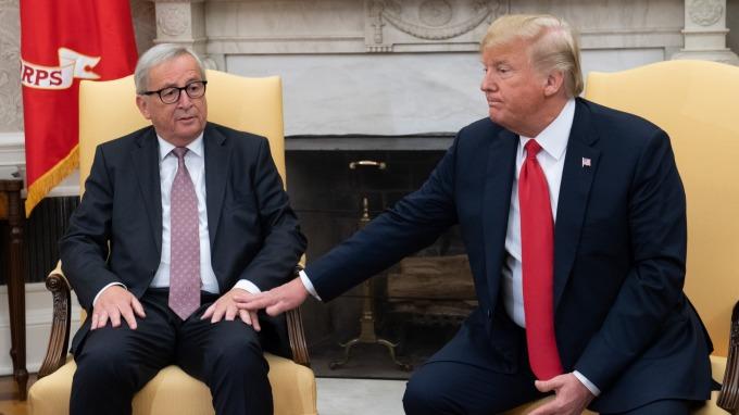 川普和歐盟執委會主席容克。(圖片:AFP)