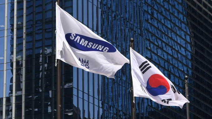 Macronix chairman: Seoul-Tokyo trade tension may profit Taiwan.