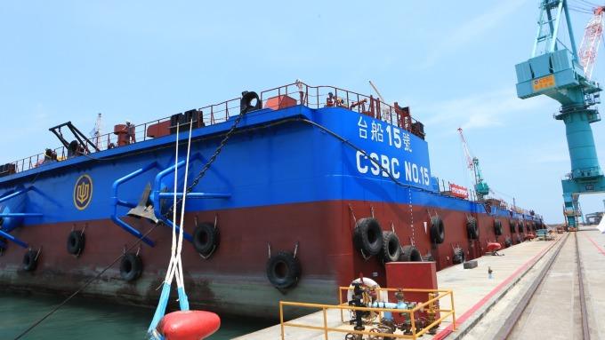 台船布局離岸風電版圖新里程碑 大型駁船首航