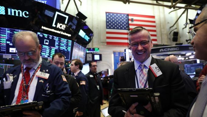 花旗交易收入遜預期 那指創歷史新高 (圖片:AFP)
