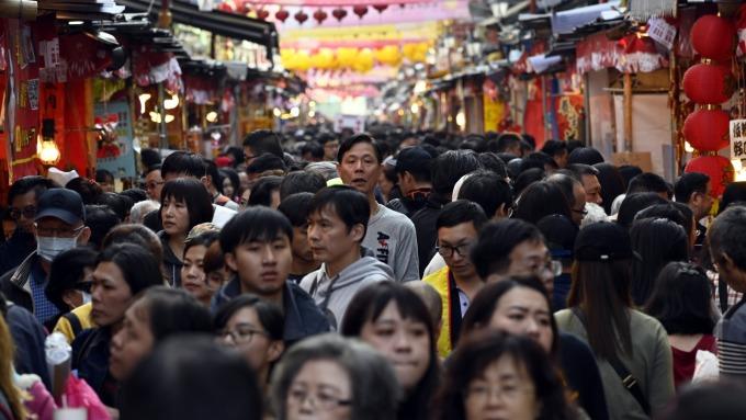 勞保基金破產危機,勞動部長許銘春表示,明年確定將撥補200億元。(示意圖:AFP)