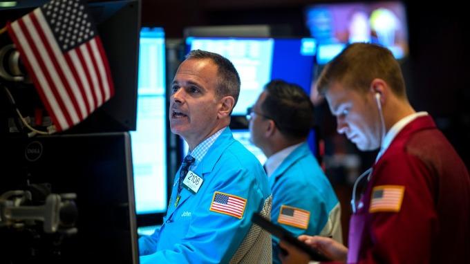 華爾街目前的最大擔憂:企業發放股利、回購股票太過大方  圖片:AFP