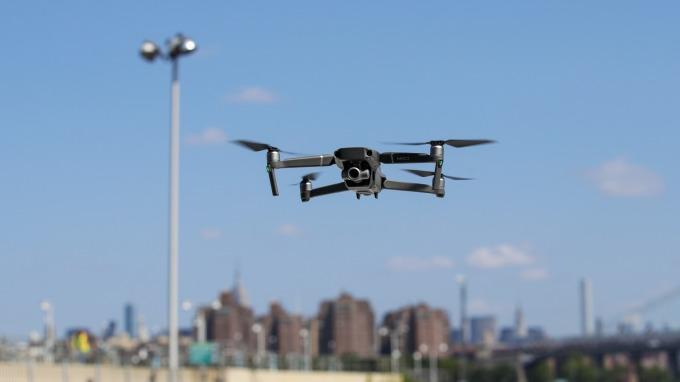 未來十年全球無人機市場估計將達到140億美元以上  (圖片:AFP)