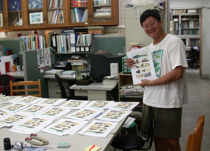 李柏鋒曾是國內少數鯊魚研究者。轉換跑道後,他對生態環境、公共議題的關懷依然不減,經常在部落格、臉書倡議時事。 圖片來源│李柏鋒提供