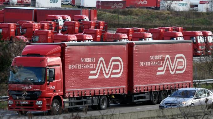 Peloton Technology解決方案讓一位司機操控兩輛卡車(圖片:AFP)