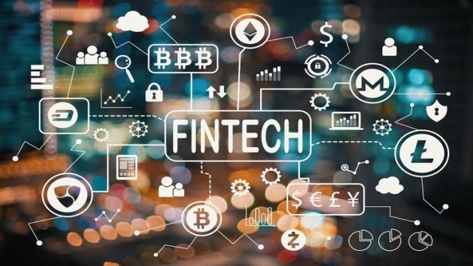 銀行overbanking,純網銀須咬牙殺出血路。(圖:Shutterstock)