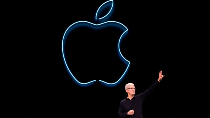 WSJ:蘋果最快下週以 10 億美元收購英特爾手機晶片事業。(圖片:AFP)