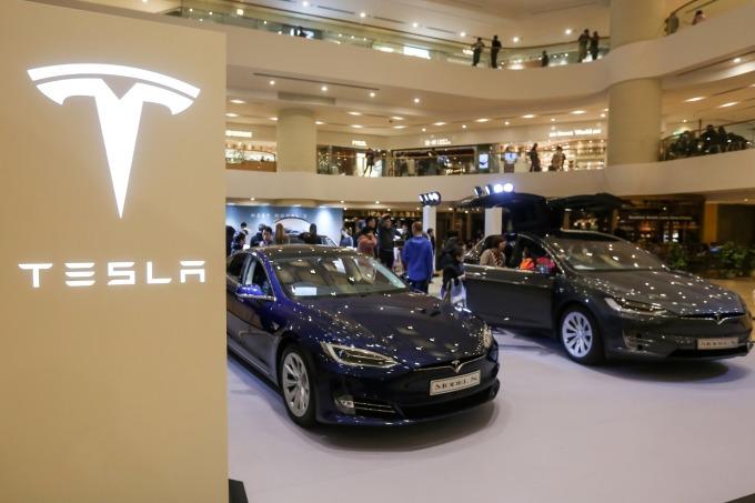 特斯拉在 2019 年上半年交付約 158200 輛汽車。(圖片:AFP)