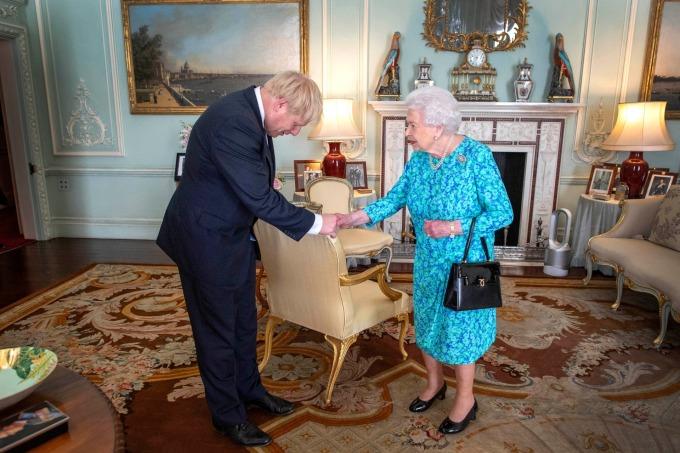 英國女王伊莉莎白二世邀請強生組閣 (圖片:AFP)