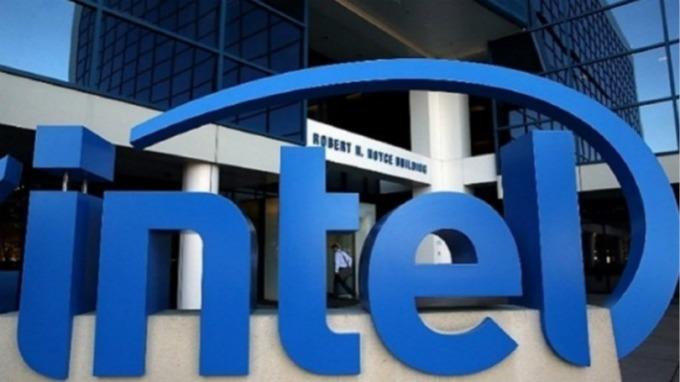 英特爾週四正式宣布,出售大部份手機晶片事業給蘋果。(圖片:AFP)