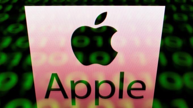 〈財報〉蘋果獲利優預期!穿戴、服務部門強勁 惟iPhone營收下滑12%(圖片:AFP)