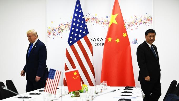 美股血洗!川普宣布對剩餘 3000 億美元中國商品祭 10% 關稅。(圖片:AFP)