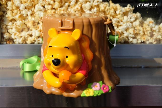 小熊維尼 的爆米花筒非常人氣,背後更藏有小豬隱藏後頭。