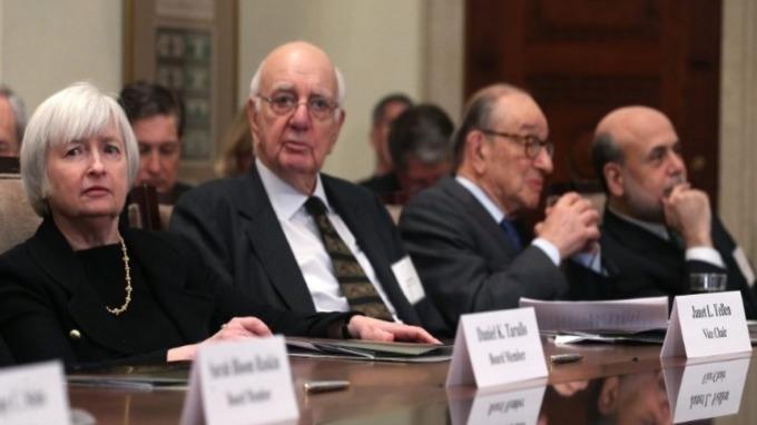 Fed 4大前主席聯合呼籲「美國需要獨立的央行」 (圖片:AFP)