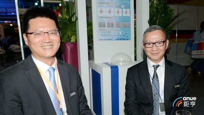 尖點科技總經理王嘉鴻(左)及董事長林序庭。(鉅亨網記者張欽發攝)