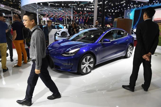 Model 3 打著史上最安全車款的宣傳 (圖片: AFP)