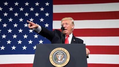 川普呼籲Fed大幅降息1% 解救美國經濟。(圖片:AFP)