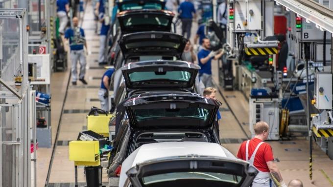 (圖三:汽車銷售量是重要的消費標竿,AFP)