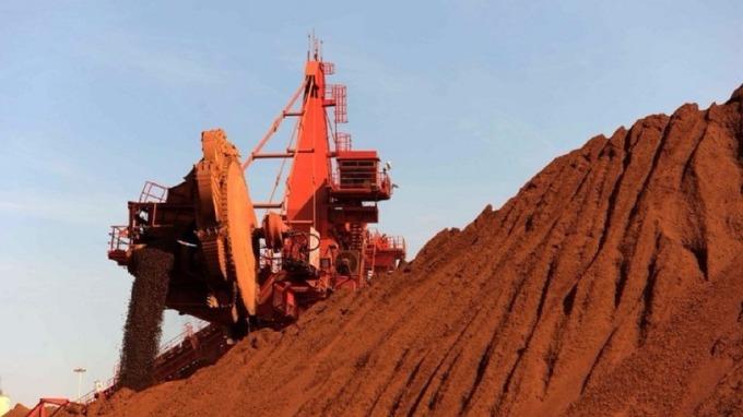 鐵礦砂難以擺脫「黑色八月」  繼續跌向80美元。(圖:AFP)