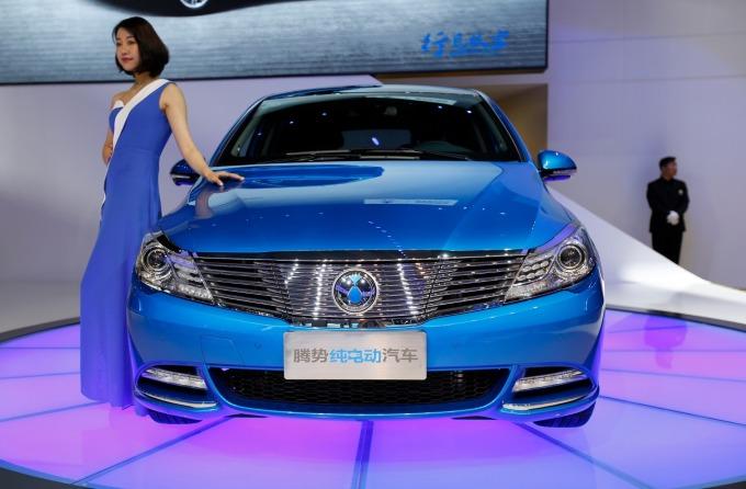 中國新能源車銷量翻盤、出現 2 年多來首度下滑。(圖片:AFP)