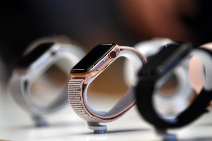 蘋果的「可穿戴設備,家用和配件」卻難逃過關稅劫。(圖片:AFP)