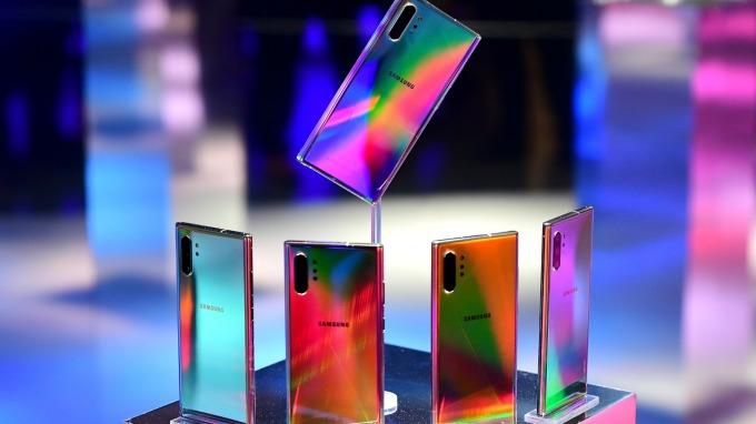 三星傳出明年或2021年,可能推出搭載石墨烯電池的手機。(圖:AFP)