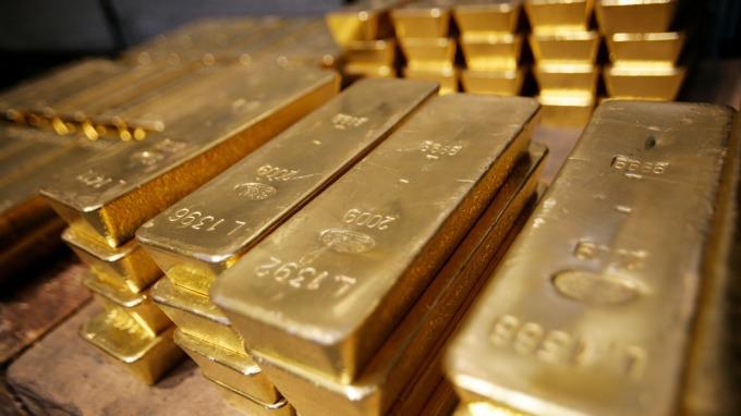 傳中國嚴禁黃金進口 為穩定人民幣 減少外匯流失 (圖片: AFP)