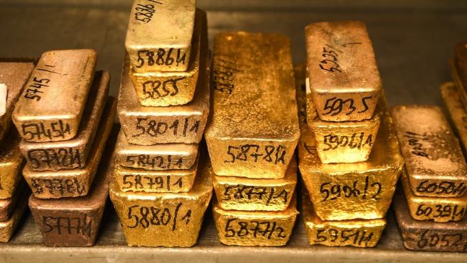 黃金的「強勁暗流」讓分析師相信遲早會站上每盎司2000美元(圖:AFP)