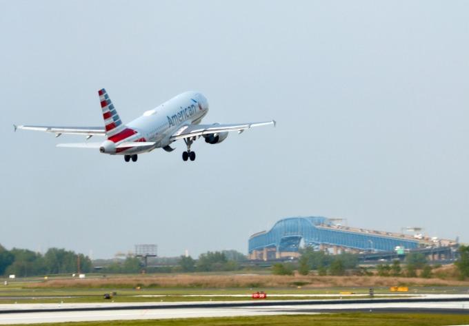 美國航空公司也有一條黃金航線(圖:AFP)