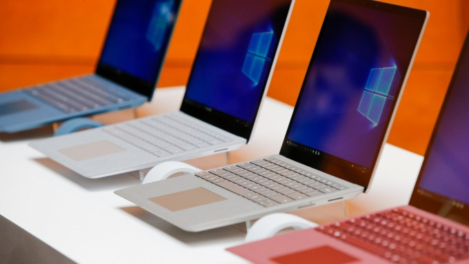 IDC:日本PC換機潮、夏普子公司Dynabook出貨量超越蘋果!(圖片:AFP)