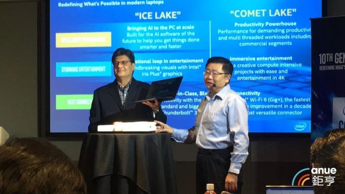 英特爾再推新處理器COMET LAKE 主打多工生產力需求。(鉅亨網記者劉韋廷攝)