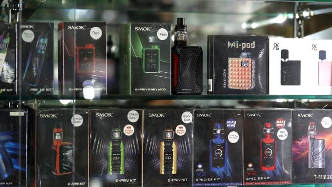 〈鉅亨看世界〉沒有你想像中安全的電子菸。(示意圖,圖片:AFP)